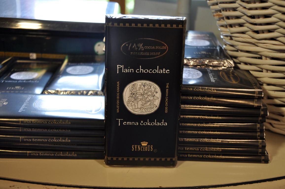 90 g temna čokolada