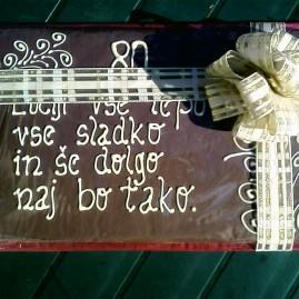 Napis na čokoladi