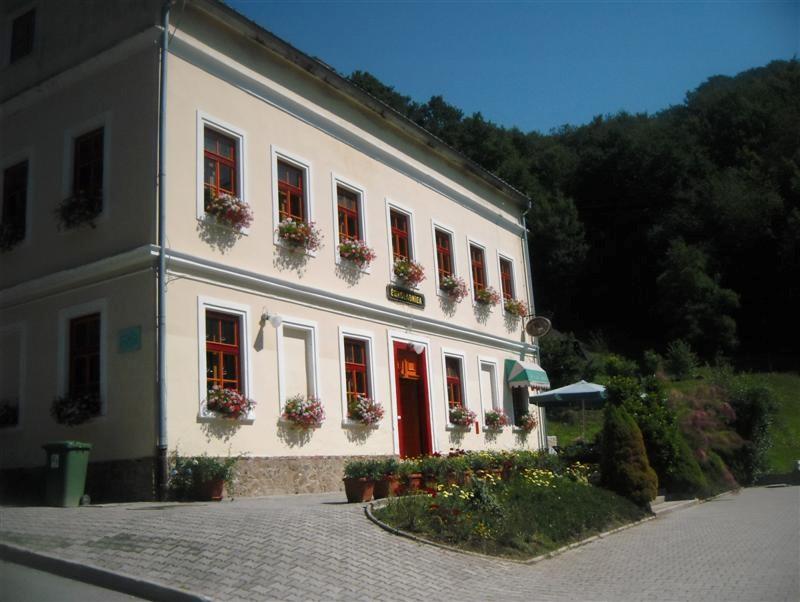 okoladnica-olimje-hiša
