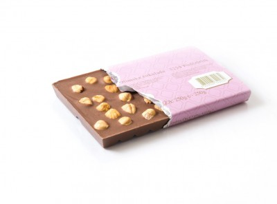 250 g mlečna čokolada s celimi lešniki