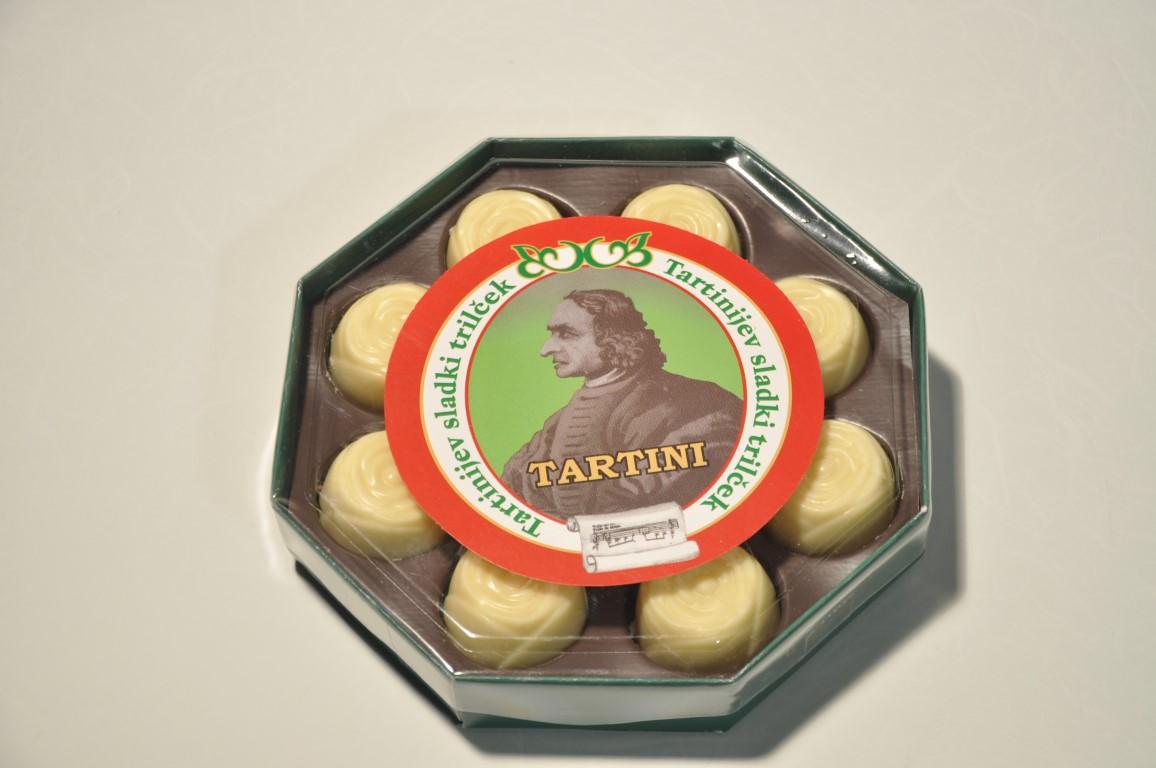 Bonboniera Tartini z belo čokolada