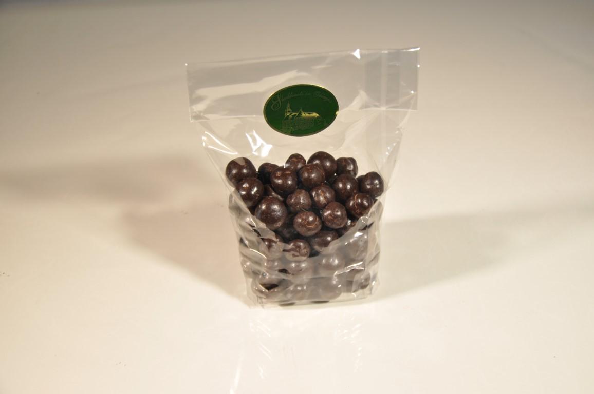 Obliti lešniki v temni čokolada